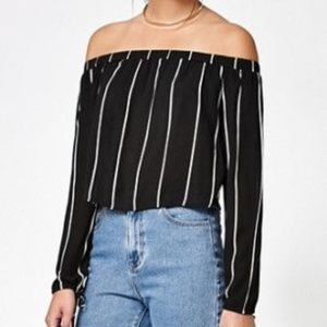 PACSUN'S KENDALL & KYLIE OFF THE SHOULDER TOP